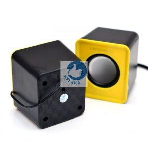 Sản phẩm đầy đủ bao gồm 2 giắc cắm, giắc cắm USB, giắc cắm cửa ngõ audio 3,5mm giúp bạn có thể thoải mái kết nối loa với các thiết bị điện thoại, máy tính