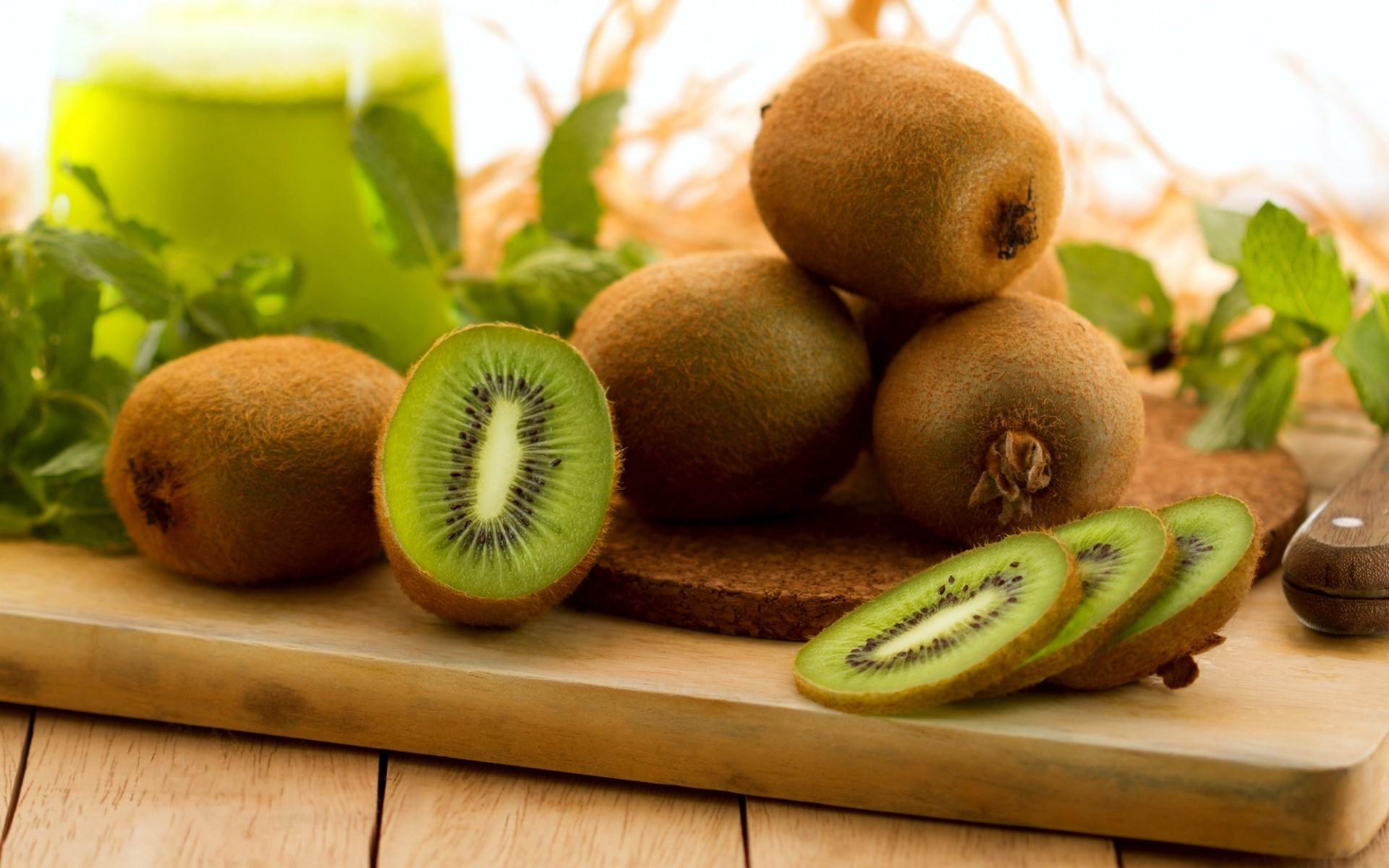 Kiwi là loại quả rất tốt cho sức khỏe của mẹ bầu và thai nhi