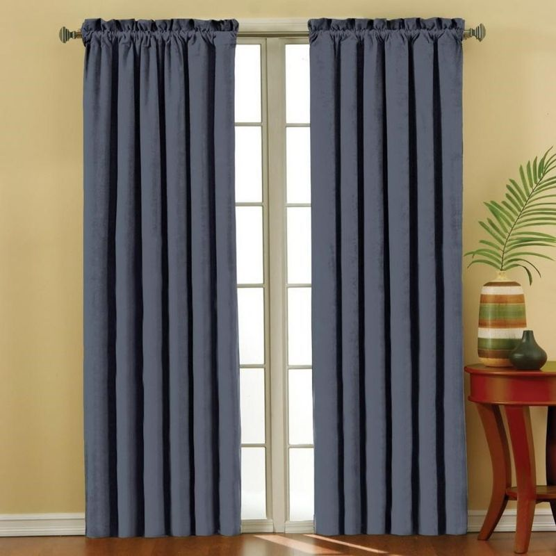 Rèm vải xanh đậm cho phòng ngủ