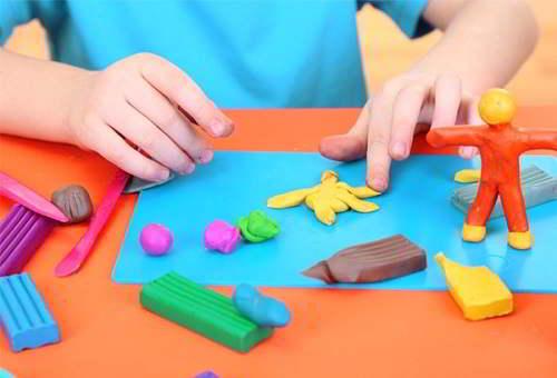 Đồ chơi giáo dục giúp bé phát triển tư duy logic, sáng tạo