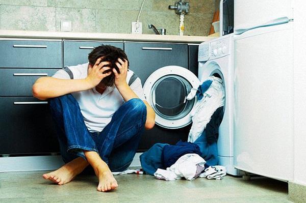 Làm sao để sửa máy giặt không quay?