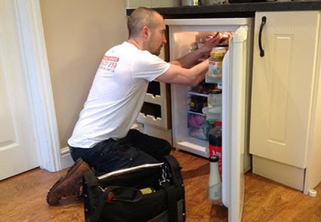 Sửa chữa tủ lạnh mini kêu to hơn bình thường