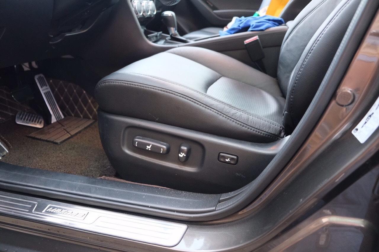 Độ ghế chỉnh điện xe ô tô giúp bạn thoải mái khi ngồi